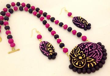 Gorgeous Black, Pink & Gold Embossed Terracotta Set